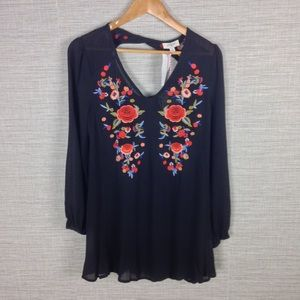 Umgee Embroidered Open Back Tunic Top